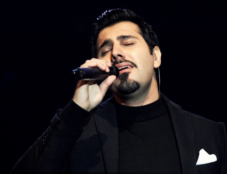 آهنگ جدید احسان خواجه امیری این حقم نیست