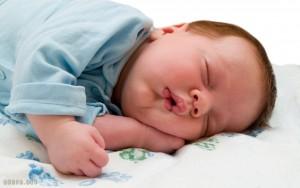 babies lalaei newsonge 300x188 دانلود آهنگ های خواب کودک