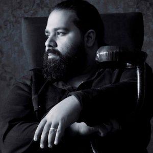 Reza Sadeghi 9 300x300 دانلود آهنگ رضا صادقی عاشق شدم
